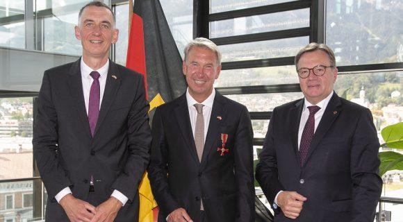 Verleihung des Bundesverdienstkreuzes an Honorarkonsul Dietmar Czernich